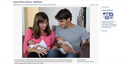 Federer veröffentlicht erste Fotos seiner Töchter (Bild: Facebook, Roger Federer)