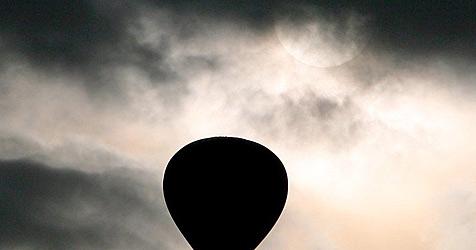 Ballon-Kopilot schildert Irrfahrt nach Afrika (Bild: dpa/dpa-Zentralbild/Z1022 Patrick Pleul)