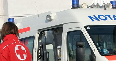 Arbeiter von Gerüst getroffen und schwer verletzt (Bild: Martin Jöchl)