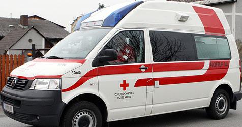 36-jähriger Arbeiter stürzt drei Meter in die Tiefe (Bild: Jürgen Radspieler)