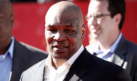 Tyson lenkt sich mit Filmrollen von Trauer ab (Bild: AP)