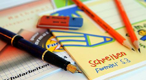 Wie viel geben Eltern für Schule aus? (Bild: APA/Georg Hochmuth)