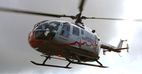35-Jähriger stürzt von Hebebühne - schwer verletzt (Bild: Airmed 1)
