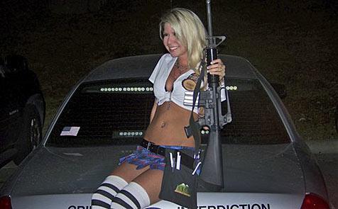 Polizist wegen sexy Foto gefeuert
