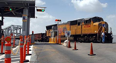 11-Jähriger reiste alleine 2.700 km durch Mexiko (Bild: ap)
