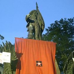 "Linzer ""Störaktion"" bei Hofer-Denkmal in Tirol (Bild: privat)"