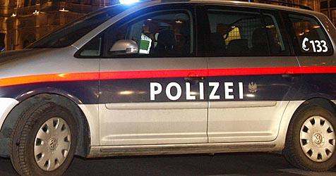 Freche Ostbande rast nach Einbruch der Polizei davon (Bild: APA/Herbert P. Oczeret)