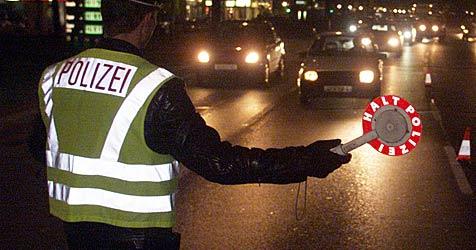 Mann nach Verfolgungsjagd überwältigt (Bild: Andi Schiel)