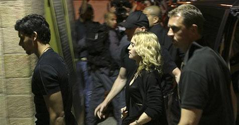 Madonna stattet Klagemauer Besuch ab
