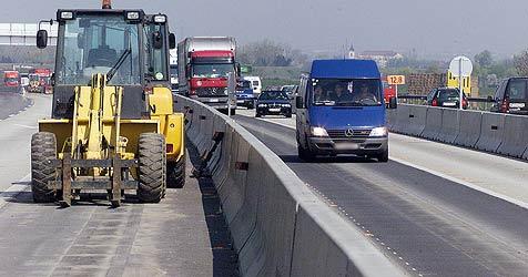 Fahrbahn auf der A21 wird ab Dienstag saniert (Bild: Andi Schiel)