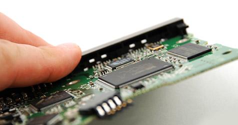 SSD zerstört sich in 0,1 Sekunden selbst (Bild: © [2009] JupiterImages Corporation)