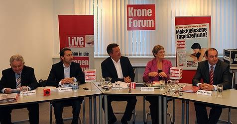 """Spitzenkandidaten stellen sich im """"Krone""""-Forum (Bild: Chris Koller)"""