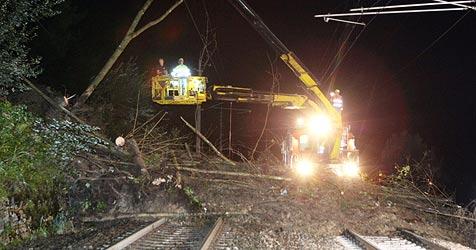 Mure verschüttet Eisenbahnstrecke im Pongau (Bild: Andreas Kreuzhuber)