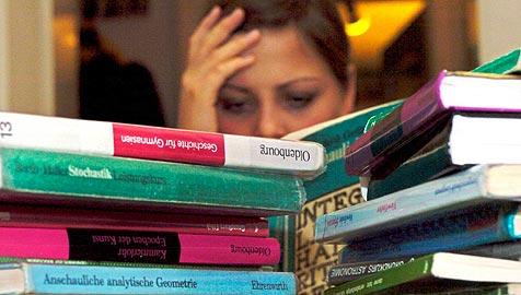 So hilfst du deinem Kind durch die Prüfungszeit