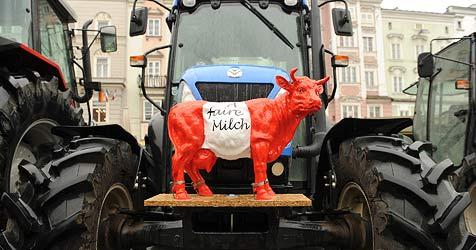 70 Traktoren auf Werbefahrt am Gaisberg (Bild: Chris Koller)