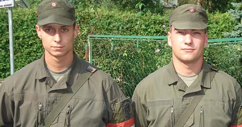 Zwei Soldaten retten 100-Jähriger das Leben (Bild: Militärkommando BURGENLAND)