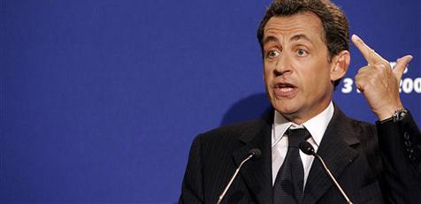 Sarkozy verbietet seinen Ministern das Mopedfahren