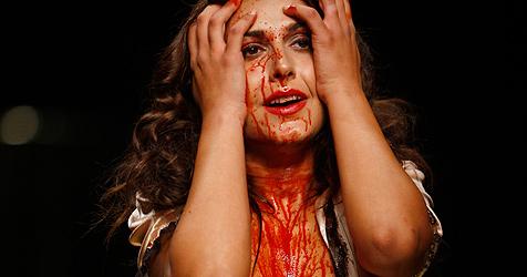 Nach Gaga-Skandal blutiges Model in Mailand