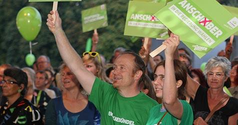 ÖVP und Grüne feiern Wahlkampf-Finale in Linz (Bild: APA/rubra)