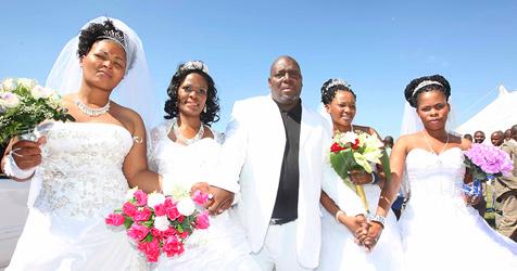 Südafrikaner heiratete an einem Tag vier Frauen