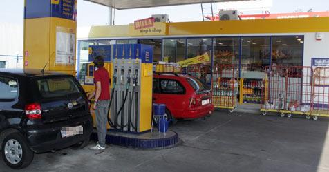 Tankstellenshops um bis zu 30 Prozent teurer (Bild: Andi Schiel)