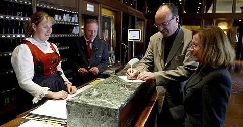 Zechprellerin verursacht 2.400 Euro Schaden (Bild: Christof Birbaumer)