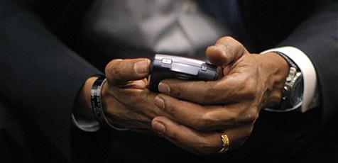 Obama verbietet Mitarbeitern SMS-Nutzung am Steuer