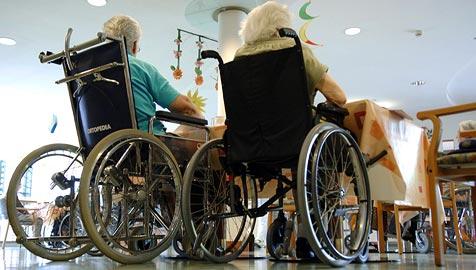 Wie Stadt-Vize Panosch die Lage in Pflegeheimen sieht (Bild: APA/BARBARA GINDL)