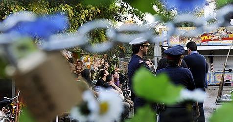 Augartenspitz in nächtlicher Aktion geräumt (Bild: APA/Herbert P.Oczeret)