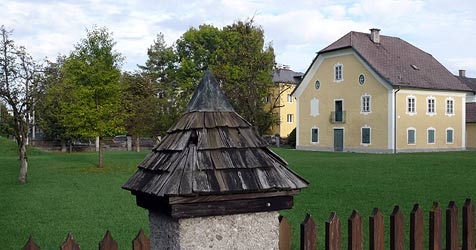 Entsetzen über Wohnblöcke direkt bei barockem Gut (Bild: Wolfgang Weber)