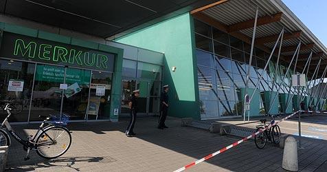 Prozess gegen den Polizisten findet in Korneuburg statt (Bild: APA/HERBERT PFARRHOFER)