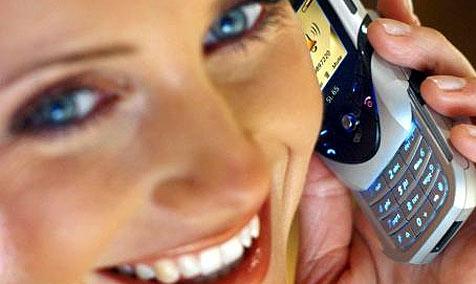 Jeder Zweite von lautem Telefonieren genervt (Bild: dpa/dpaweb/Siemens AG/-)