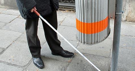 Bösartiger Dieb stiehlt Blinden-Obmann den Stock (Bild: APA)