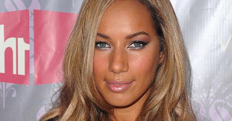 Irrer Fan greift Leona Lewis bei Signierstunde an