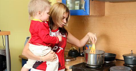 So klappt der Haushalt mit Baby (Bild: © [2009] JupiterImages Corporation)