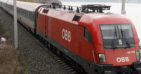 Regionalzug rast in Saalfelden gegen zwei Pferde (Bild: Klaus Kreuzer)