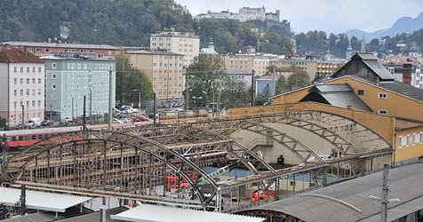 Salzburger Bahnhof wird nun in seine Einzelteile zerlegt