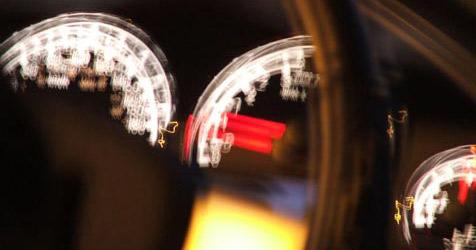 19-J�hriger �berholt Zivilstreife mit 211 km/h