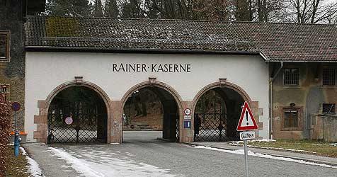 Aufstand gegen Flüchtlingsheim in der Rainerkaserne (Bild: Andreas Tröster)