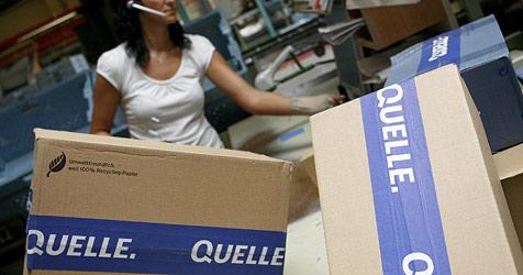 Bei Quelle-Shops rollen wieder die Paketlieferungen (Bild: dpa/Daniel Karmann)