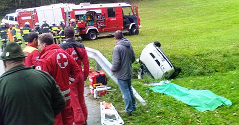 44-Jährige bei Unfall mit Pkw tödlich verletzt (Bild: FF Pabneukirchen)
