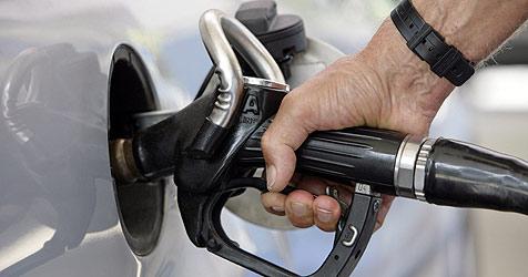 Fluch Billig-Sprit: Der Tanktourismus kostet Millionen (Bild: dpa/A3750 Andreas Gebert)
