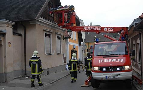 18-Jährigen nach Reanimation durch Fenster gerettet (Bild: Martin Hofbauer)