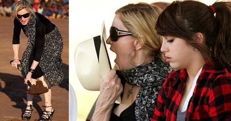 Madonna besucht mit ihren Kindern Waisenhaus