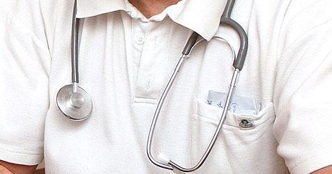 Arzt (68) schreibt Unbekannten krank - in Graz vor Gericht (Bild: Peter Tomschi)
