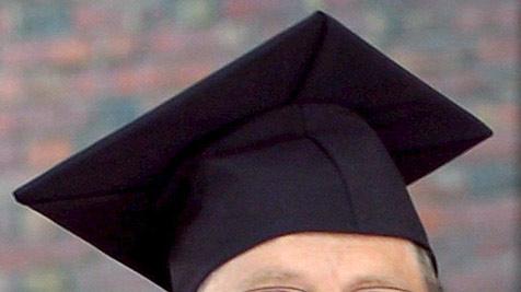 94-Jährige macht ihren Uni-Abschluss in Jus
