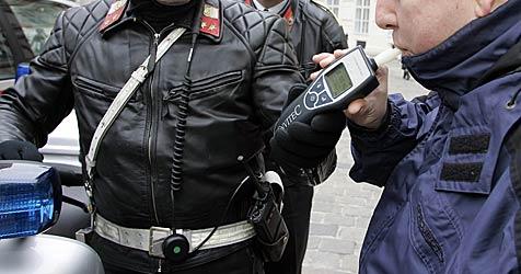 21-Jähriger gerät mit 2,2 Promille in Gegenverkehr (Bild: Klemens Groh)