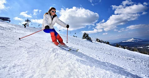 Gefahr - 5.000 verletzte Skifahrer pro Jahr (Bild: © [2009] JupiterImages Corporation)
