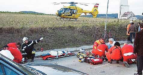 Biker bei Unfall auf B6 getötet - Gattin schwer verletzt (Bild: ÖAMTC)