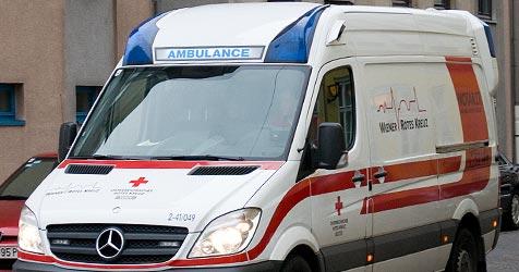 Fahrerin bewusstlos - Auto schlittert von der Straße (Bild: Andreas Graf)